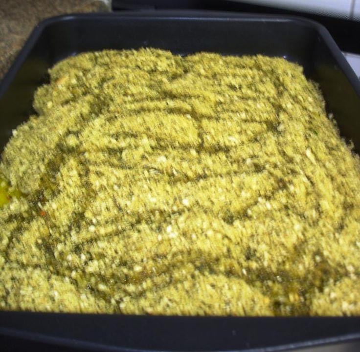 Ingredientes 1 Kg de filé de tilápia (peixe de água doce) 50 g de limão 03 pães (francês) 15 g de sal refinado 04 g de pimenta-do-reino branca 02 maços de manjericão 100 g de queijo parmesão...