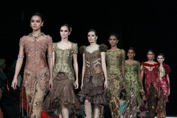 kebaya fashion | model kebaya, kebaya, model kebaya modern, model kebaya modern terkini ...