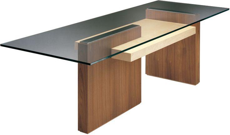 CARTESIA, tavolo in legno di noce e acero. Piano in cristallo. Design Franco Poli
