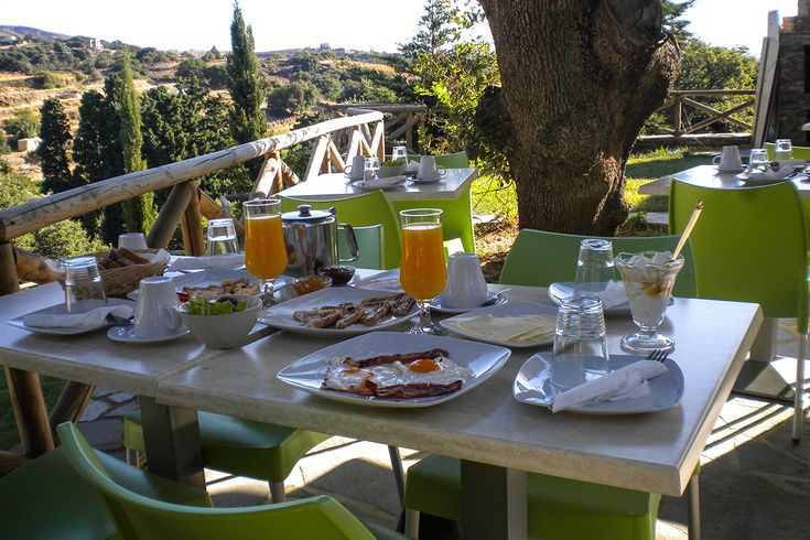 Breakfast at the Iro Suites.
