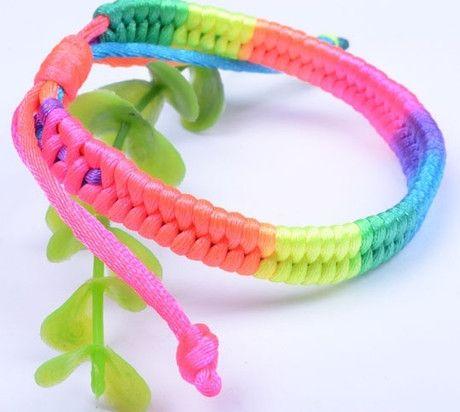 Bracelet tissé #Lesbienne Gay Pride pour femmes
