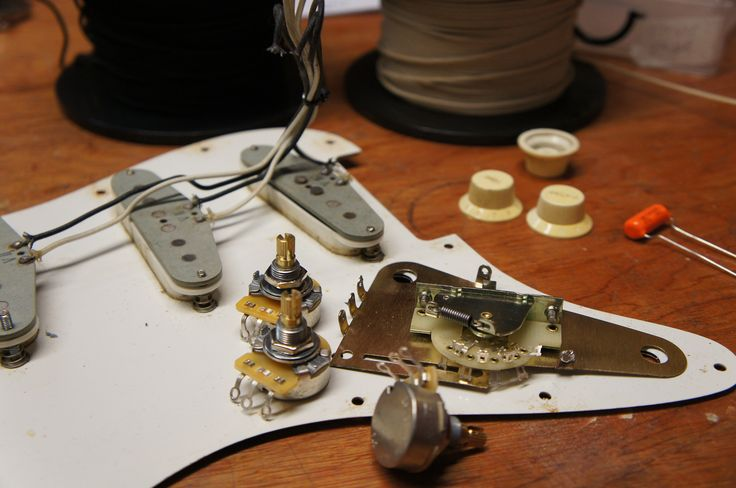Strat Wiring Upgrade With Cts Pots Switchcraft Jack Socket Crl 5