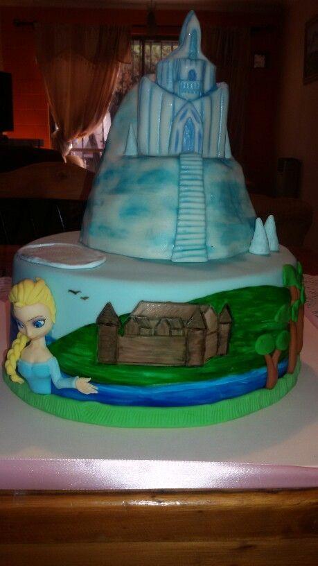 Torta castillo frozen 3d y aplicaciones 2d.