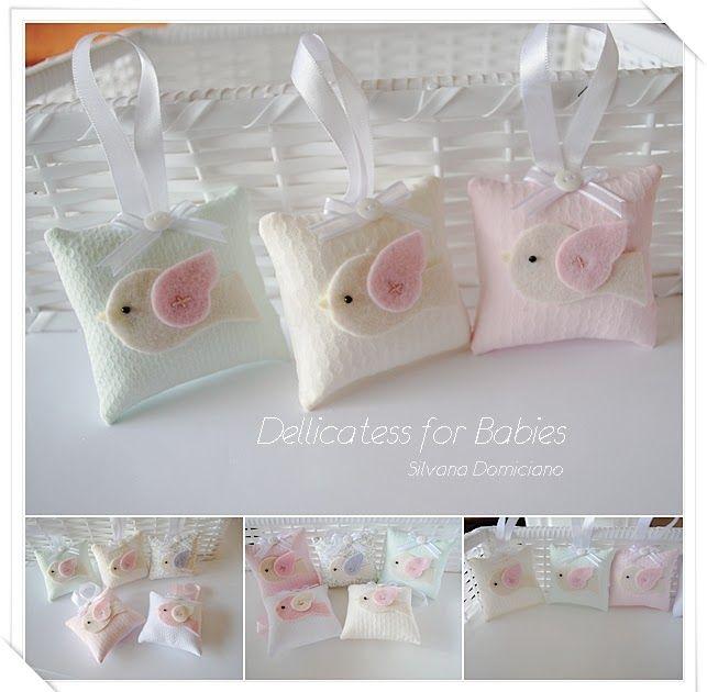 Dellicatess for Babies: Sachês almofadinhas para cabide.