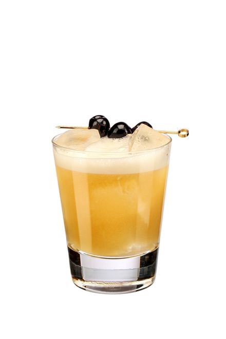 to make an amaretto sour ii (morgenthaler formula) use disaronno originale amaretto, maker's mark bourbon, freshly squeezed lemon juice, pasteurised egg white and
