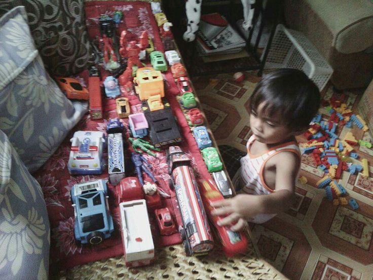 Von playing toys