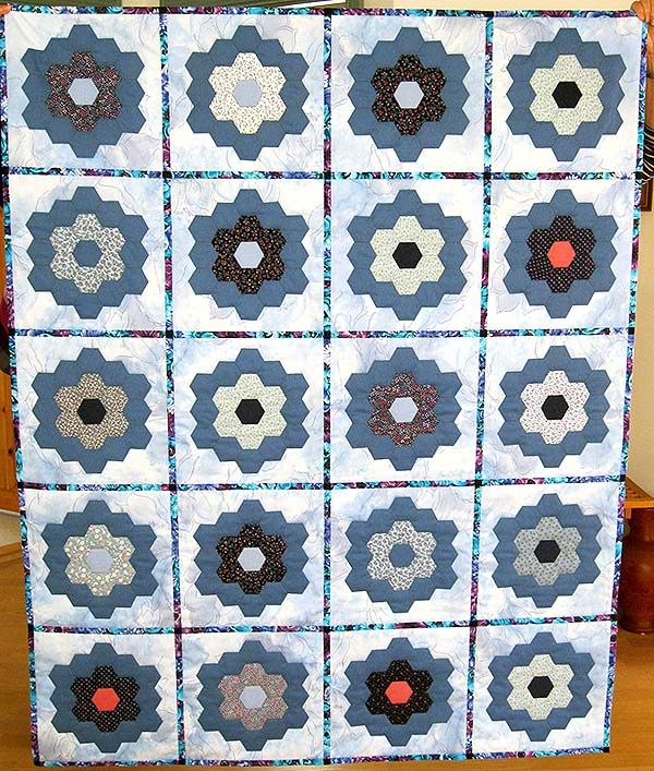 1304 birgith lorenz hexagon flowers