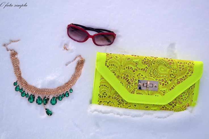Oasap Yellow Neon Clutch and Green And Gold Necklace Firmoo Sunglasses