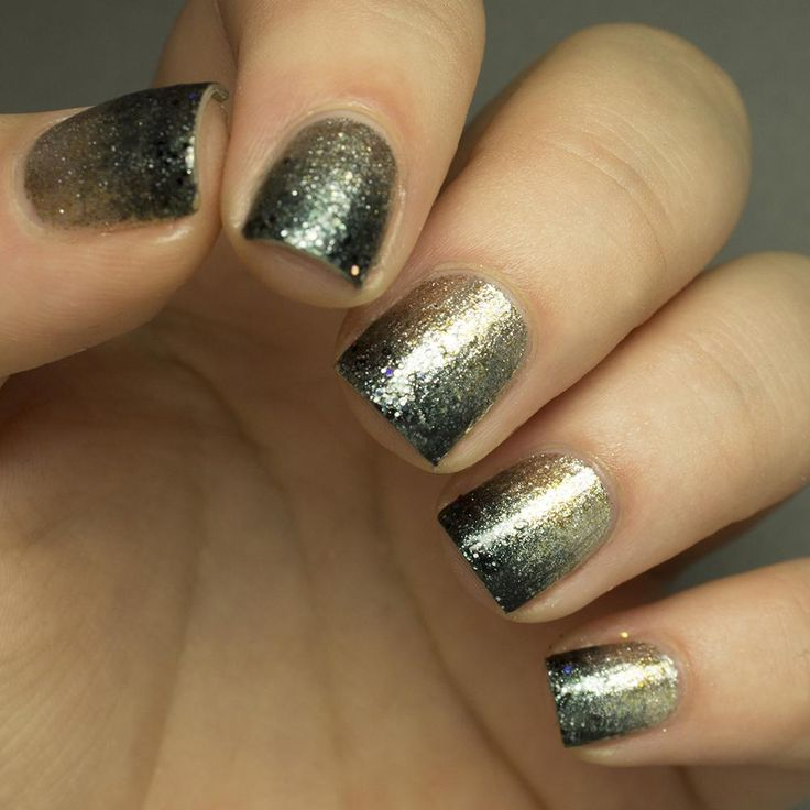 For Nicole Miller's SS14 runway show at New York Fashion Week, butter LONDON's global color ambassador, Katie Jane Hughes, created perfect gradient nail art for the models to wear down the catwalk. The pairing of the champagne shade with a black glitter was so elegant!