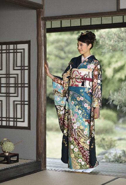 thekimonogallery: Furisode and obi. Japan *Drools*