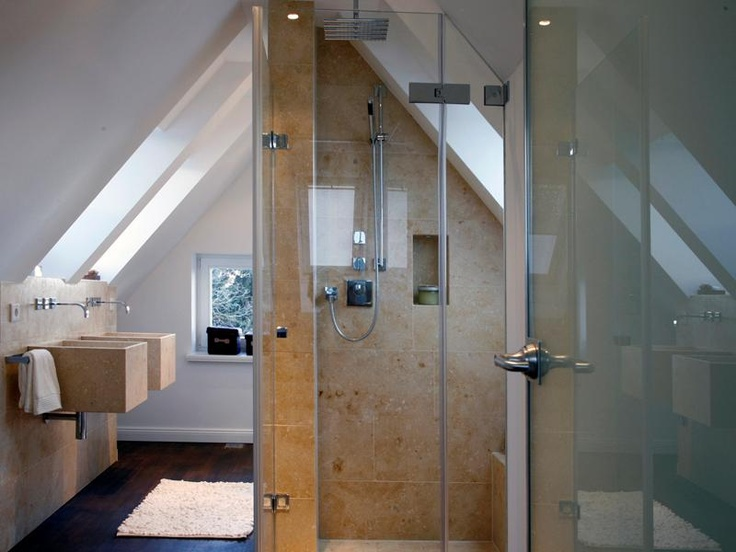 Great little bathroom in the winter retains all the steam