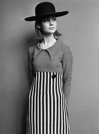 Jean Shrimpton in Mary Quant dress - par John French en 1963