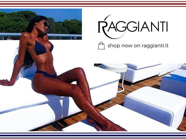 In foto Raika Tavares indossa un bikini della Linea Double Face.  Scopri tutti i colori e i modelli.