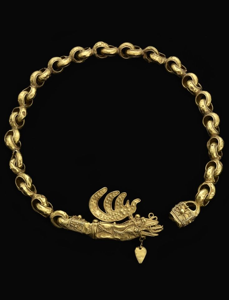 Indonesia ~ Moluccas | Necklace; gold | Late 18th - early 19th century   |||   {GPA}