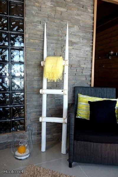 Valkoiset sisustustikkaat / White decoration ladder