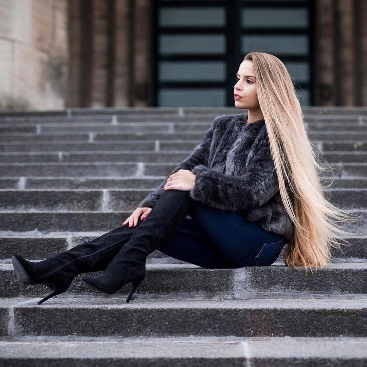 "202 Likes, 9 Comments - @hair_appreciation on Instagram: ""@bertuzziaurora #beautifullonghair #beautiful #very #long #dark #brunette #hair #video…"""