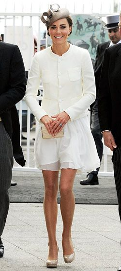 kate middleton -- the woman who's bringing pantyhose back en vogue