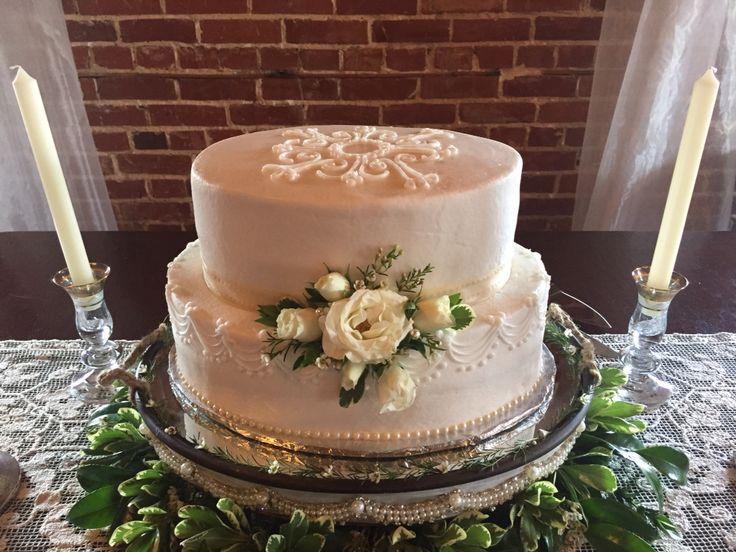 Oval wedding cake