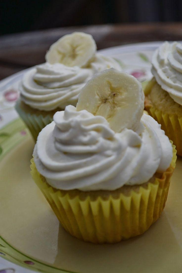 Banana Pudding Cupcakes | Making Miracles