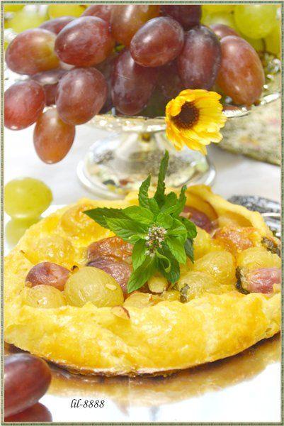 Мини-пироги с виноградом и моцареллой. рецепт с фотографиями