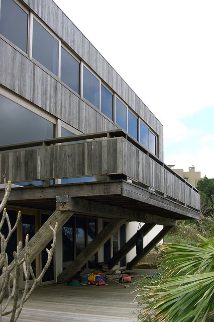 deck by clinton murray architect, via Flickr