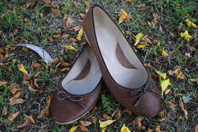 Baletas en piel de Becerro. Muy suaves.y cómodas. Whatsapp 3208057980. #baletas, #ballerines, #balerinas #Flats, #womanshoes, #moda, #Fashion, #zapatosmujer, #trendy, #zapatos, #shoes, #cuero, #leather, #glam, #chic, #comfortable, #balletflats, #zapatosdecolombia, #madeincolombia, #footwear