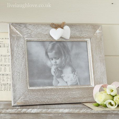 Country Heart Photo Frame- 7 x 5 in £8.95