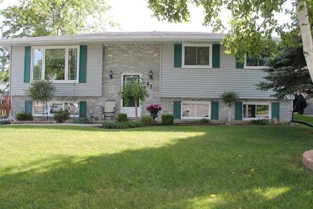 HOT NEW LISTING!! #ForSale #RealEstate #PortDover #detatched #TheNicolsonTeam