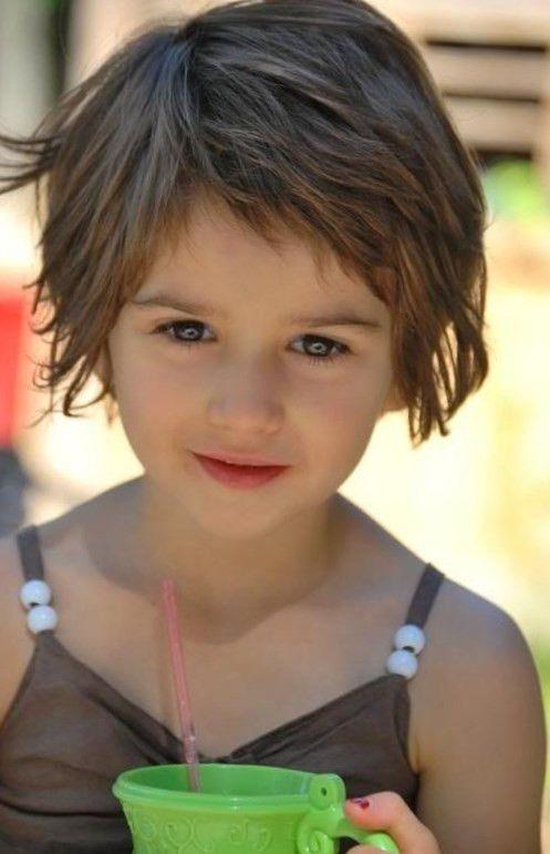 Coiffure cheveux court enfant tendances 2018 | Coupe cheveux petite fille, Cheveux courts fillette