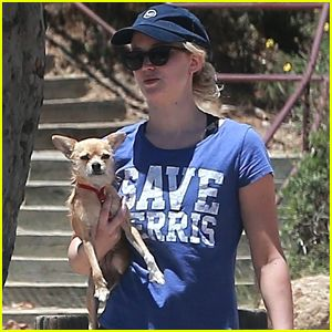 Jennifer Lawrence Breaking News, Photos, Videos and Gallery | Just Jared Jr.