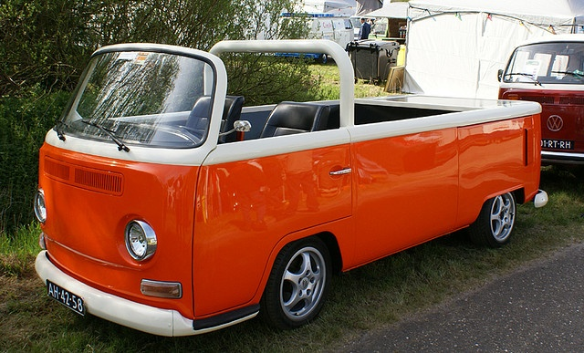 VW T2 Convertible. Awesome!