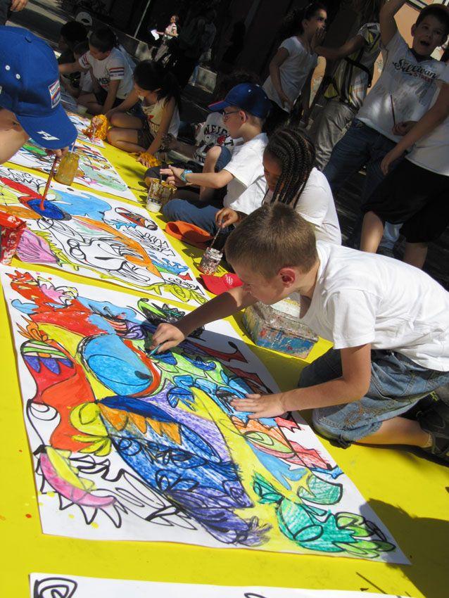 Azione di pittura in strada