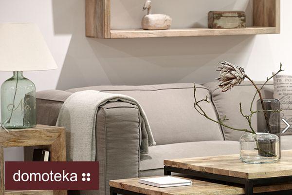 Jest wiele sposobów na przemycenie drewna do salonu! Może to być funkcjonalna półka nad kanapą, albo stolik kawowy wykonany z drewna mango z kontrastowym, czarnym metalowym stelażem. Więcej drewnianych inspiracji znajdziesz w salonie belbazaar. Wybór należy do Ciebie!