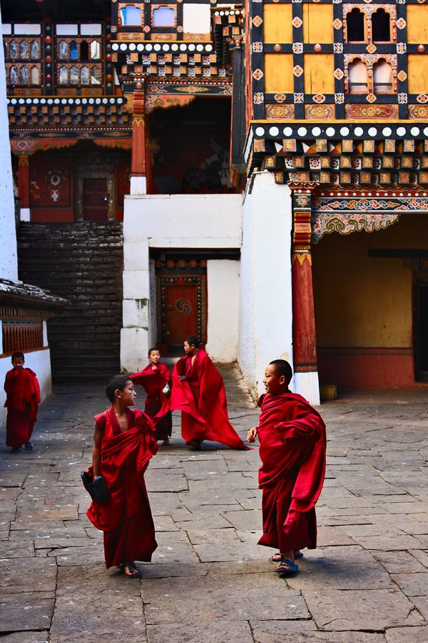 "The Kingdom of Bhutan is a landlocked nation in South Asia, located at the eastern end of the Himalaya Mountains and is bordered to the south, east and west by the Republic of India and to the north by the People's Republic of China. Bhutan is separated from the nearby state of Nepal to the west by the Indian state of Sikkim, and from Bangladesh to the south by West Bengal. The Bhutanese call their country Druk Yul which means ""Land of the Thunder Dragon""."