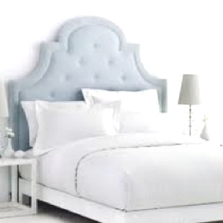 I love upholstered headboards! So pretty! Will be making one soon...