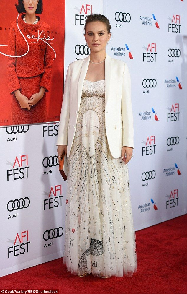 O wow! Pregnant Natalie Portman blazed in a stunning solar-themed Dior gown at the Jackie ...