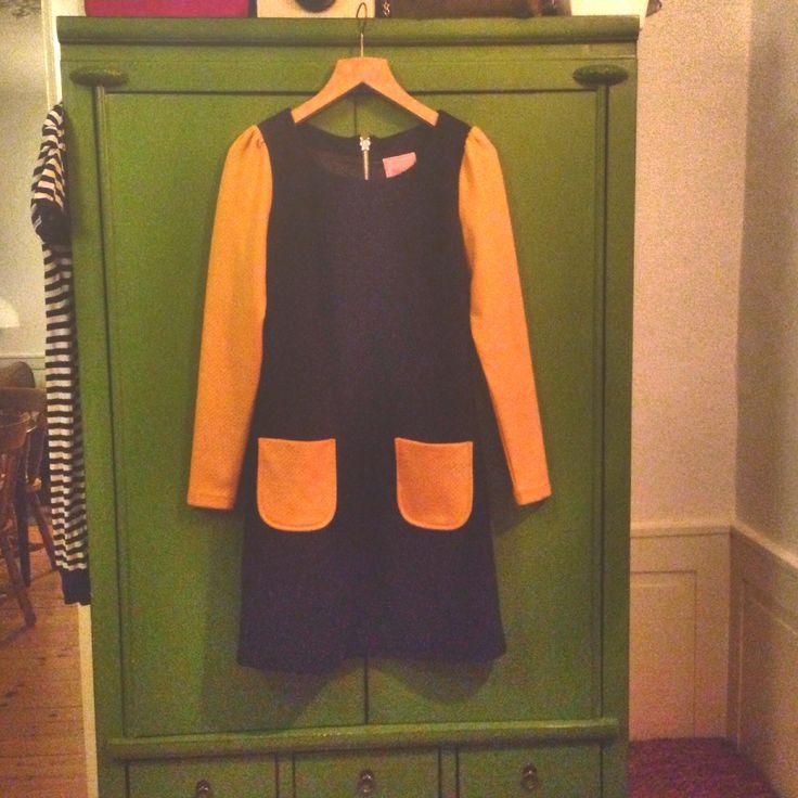 edith & Ella 60s dress mustard and black