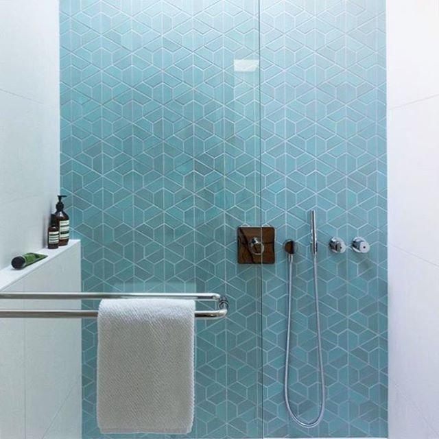 "294 Likes, 5 Comments - Heath Ceramics's Tile Feed (@tilemakestheroom) on Instagram: ""Half hex tiles in this fully lovely bathroom. Design: @falkenreynolds. : @emaphotographi"""