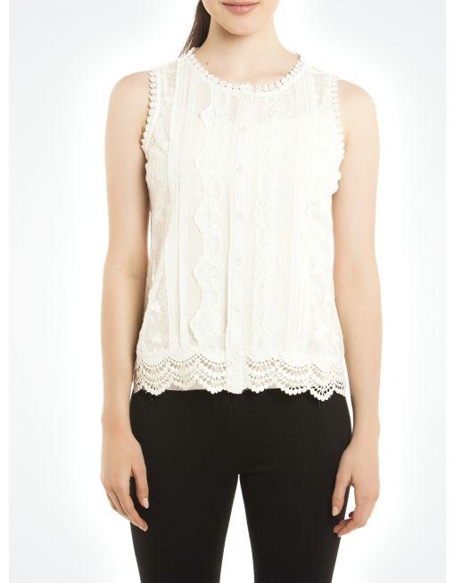 Blouse en dentelle brodée avec fleurs à l'arrière / Embroidered lace blouse with flowers at the back #JACOBCHIC