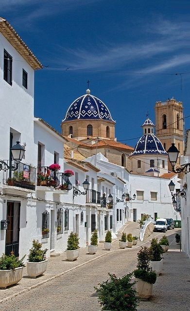 Church and Street in Altea, Valencia, Spain | Flickr - Photo by skyduster4