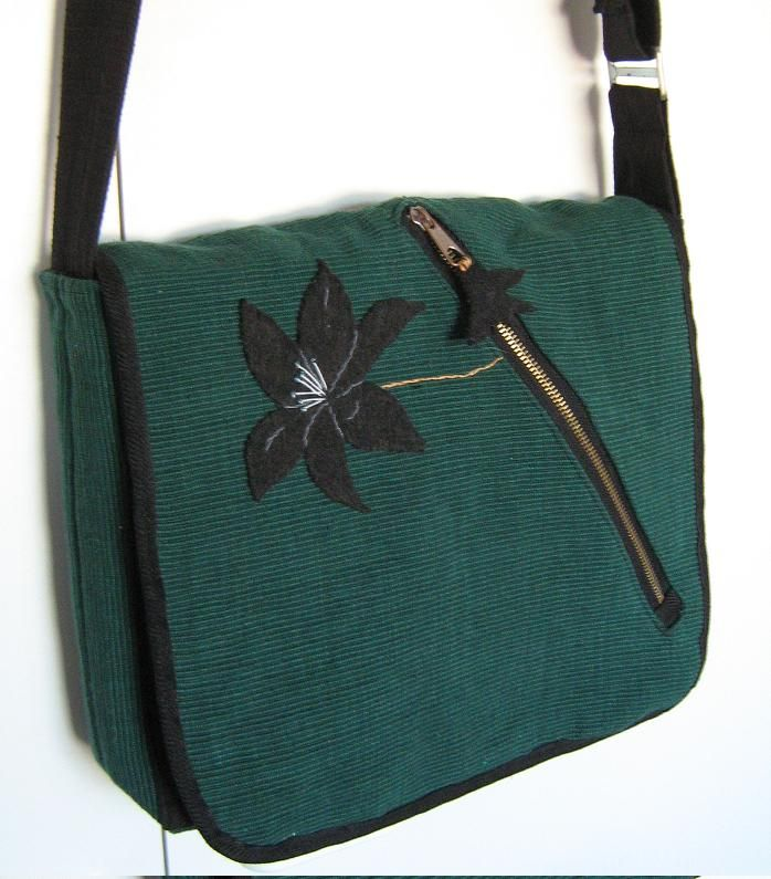 Lily olkalaukku kierrätysmateriaaleista - Lily shoulder bag from recycled materials http://www.poppala.fi/?p=329
