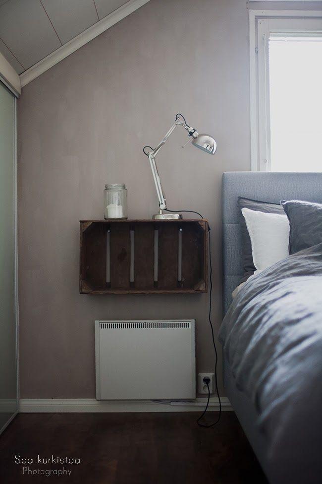 My bedroom. Kalklitir wall.