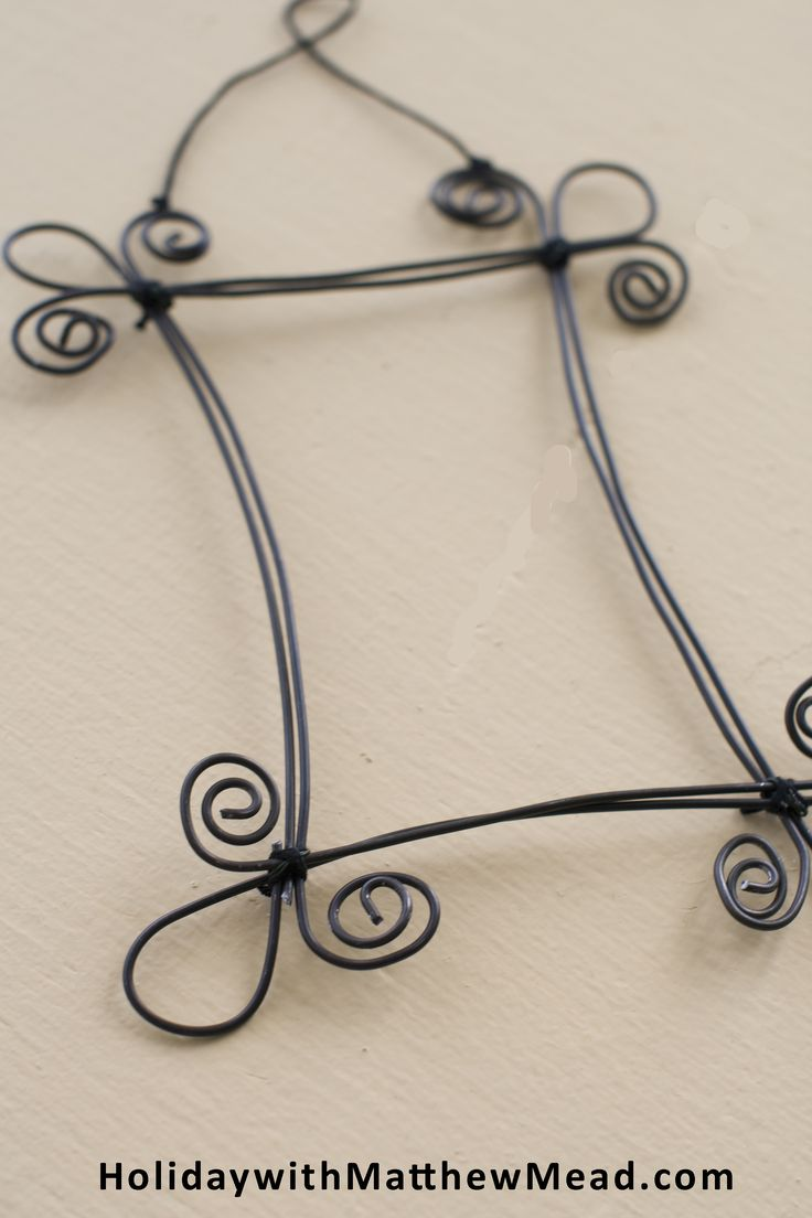 I've had fun fashioning these wire frames  by imitating scrawling doodles. You can download the patterns at www.HolidaywithMatthewMead.com You can see more of my ideas in FLEA MARKET FINDS book, COOL DOODLE story.