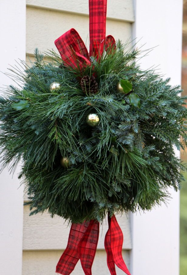 DIY Kissing Ball for Christmas outdoor decoration.