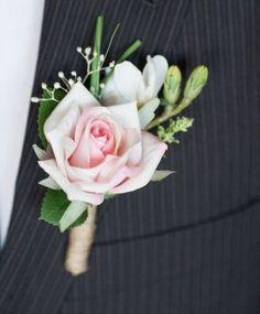 """Résultat de recherche d'images pour """"boutonniere rose homme mariage"""""""