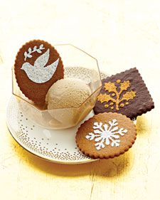 Stenciled Gingerbread CookiesStencils Chocolates, Christmas Cookies, Stencils Gingerbread, Chocolates Cookies, Holiday Cookies, Chocolate Cookies, Cookies Recipe, Gingerbread Cookies, Martha Stewart