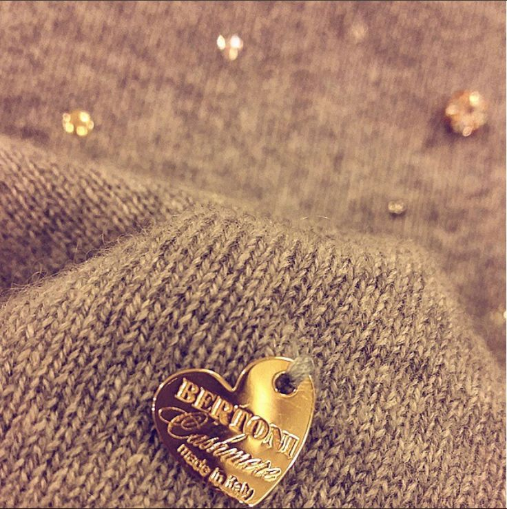 #goodnight have a #goldendreams to all #cashmerelovers #luxuryknitwear #purecashmere #madeinitaly with #love