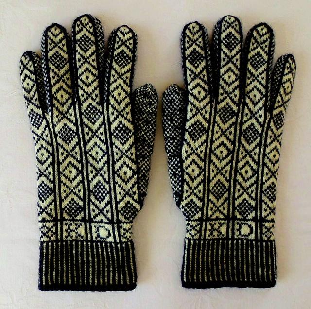 Ravelry: Sanquhar knitting group