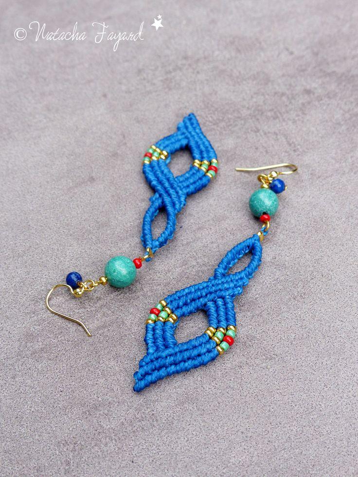 Macramé boucles d'oreilles boho chic bohème bleu turquoise lapis lazuli plaqué or acier chirurgical : Boucles d'oreille par natacha-fayard