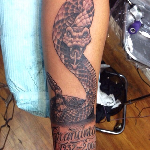 snake tattoo done by the tattoo tony of los angeles tattoos by the tattoo tony of los angeles. Black Bedroom Furniture Sets. Home Design Ideas